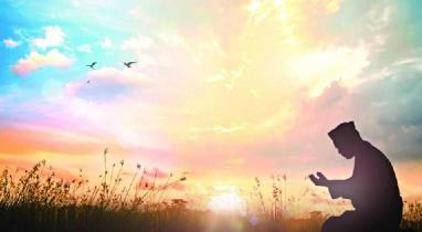 ঈমানের উপর অটল থাকতে মুমিনের করণীয়