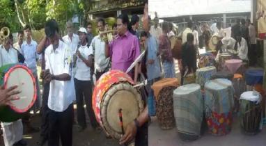 কিশোরগঞ্জের কটিয়াদিতে জমে উঠেছে ঐতিহ্যবাহী 'ঢাকের হাট'