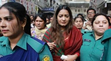 বাসে আগুন, বিএনপি নেত্রী নিপুণ রায় রিমান্ডে