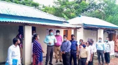 মির্জাগঞ্জে জেলা প্রশাসক পরিদর্শন করেন প্রধানমন্ত্রীর দেয়া উপহারের ঘর